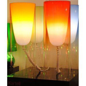 Lámpara de pie Modelo TOOBE de KARTELL