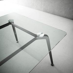 Mesa Modelo XJ de FAMO