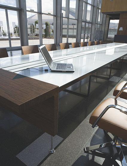 Mesa de reuniones Modelo PRIMA SINFONIA de OFIFRAN