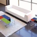 mesa de centro en cristal de colores